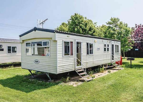 buying a uk holiday home advice