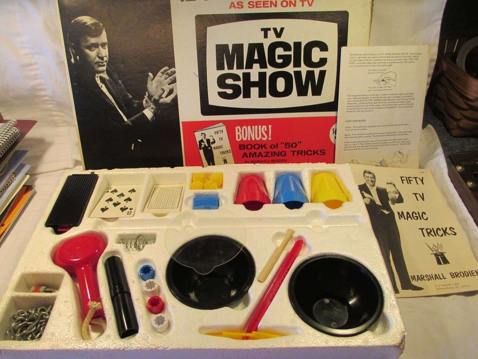 Magician Doug Roy