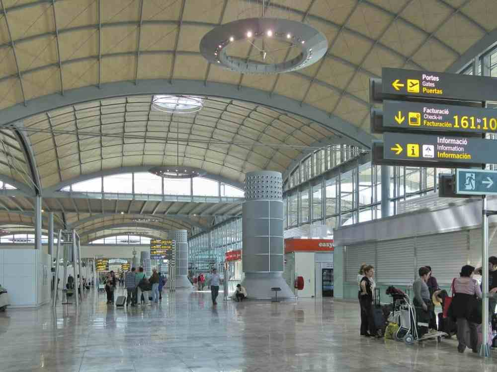 Spain welcomes british holidaymakers