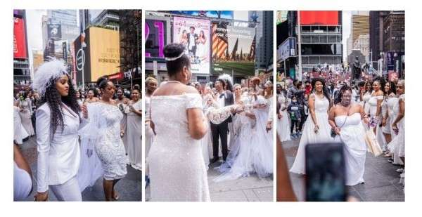 Man Proposes  in Times Square